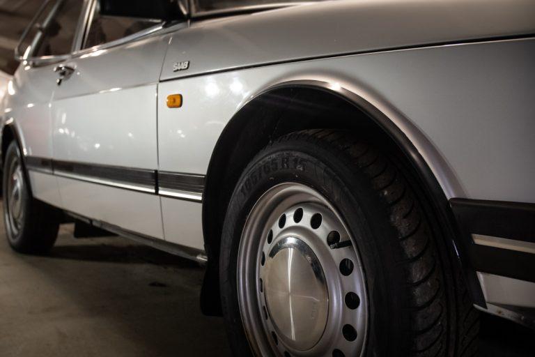 Silver Saab 8