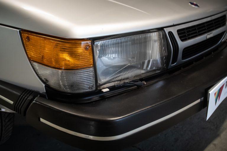 Silver Saab 9