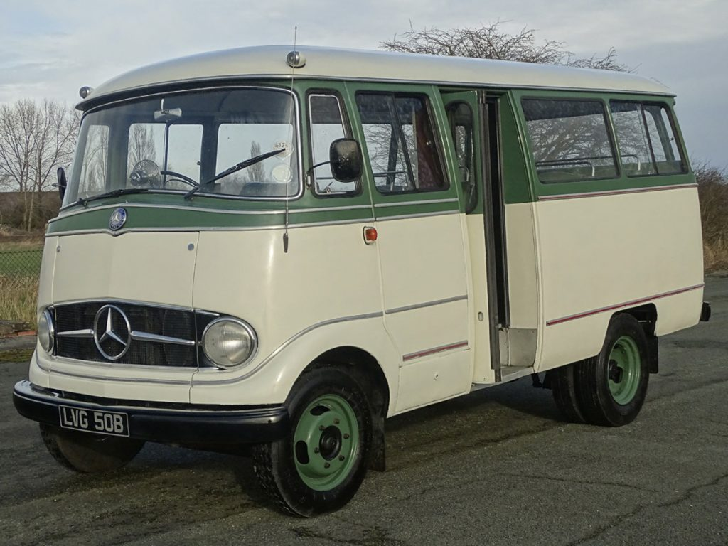 0004 1964 Mercedes Benz O319 9 Seat Mini Bus 1