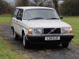 0029 1992 Volvo 240 SE Estate from Wizard Classics 3