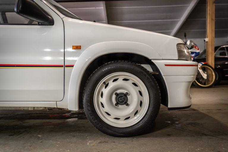 106 Rallye White 34