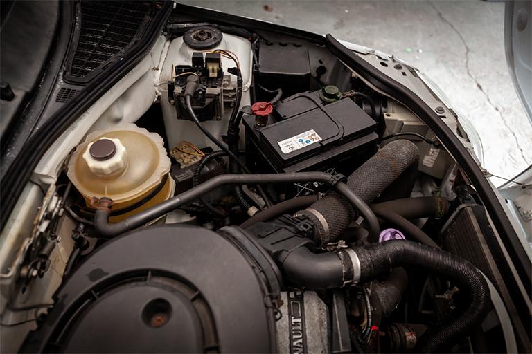 Renault Clio MK1 Auto Wizard Classics 0004 Clio 1.4 White 35