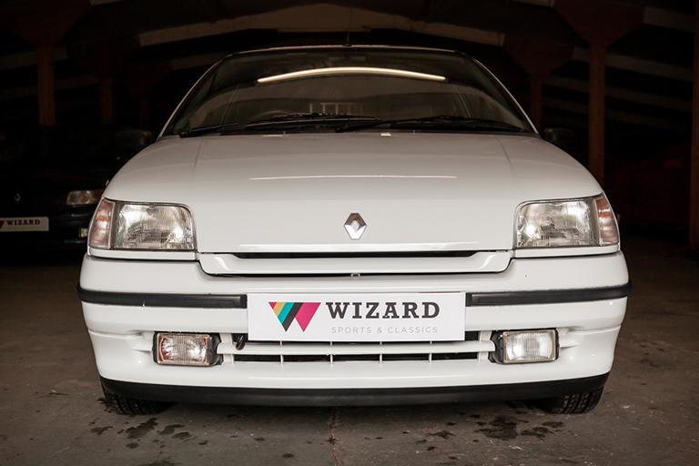 Renault Clio MK1 Auto Wizard Classics 0007 Clio 1.4 White 32