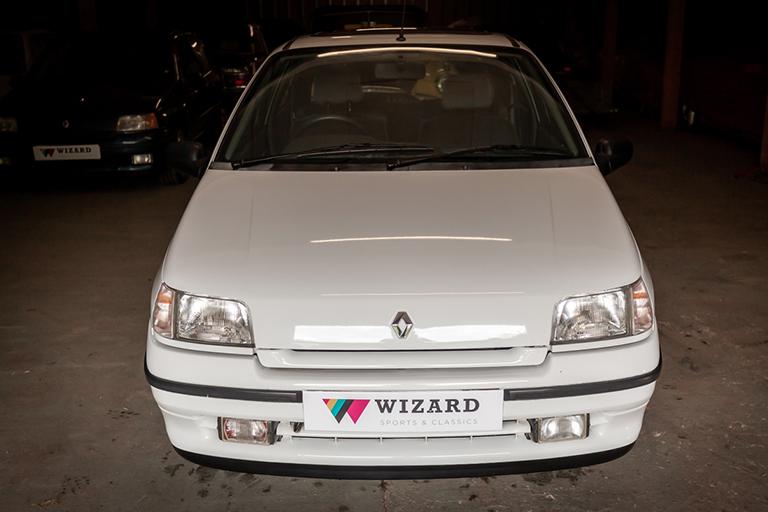Renault Clio MK1 Auto Wizard Classics 0008 Clio 1.4 White 31