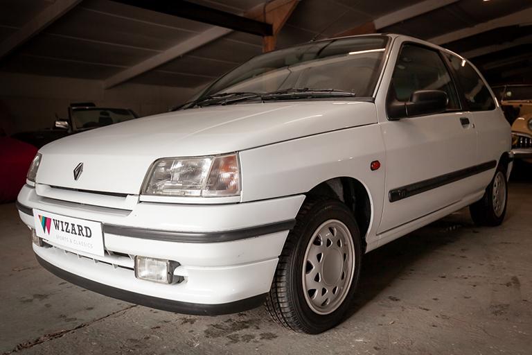 Renault Clio MK1 Auto Wizard Classics 0010 Clio 1.4 White 29