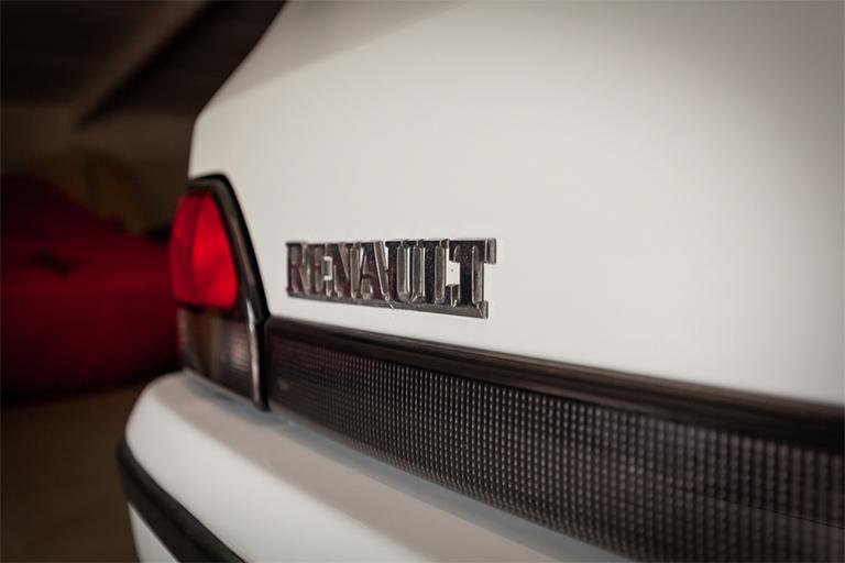 Renault Clio MK1 Auto Wizard Classics 0028 Clio 1.4 White 11