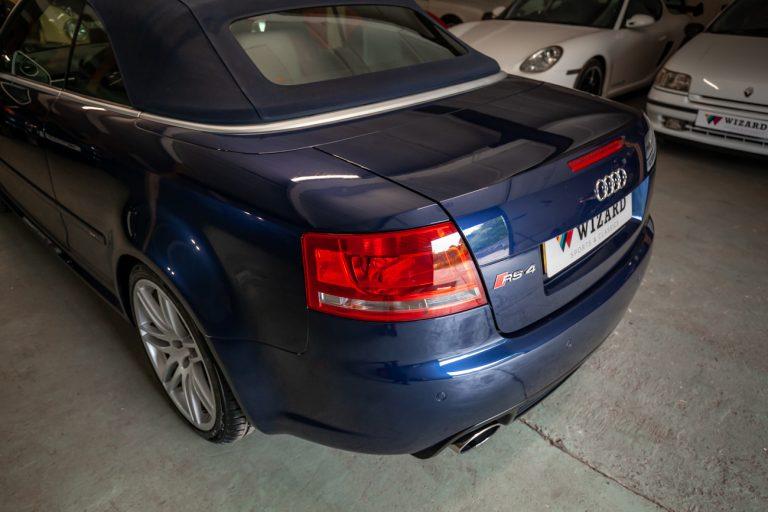 Audi RS4 31