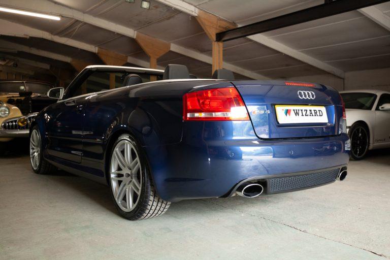 Audi RS4 40