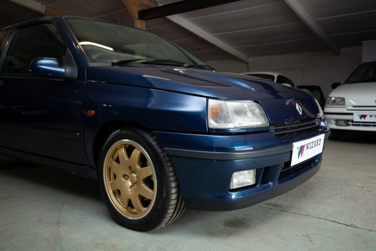 Clio Williams 19