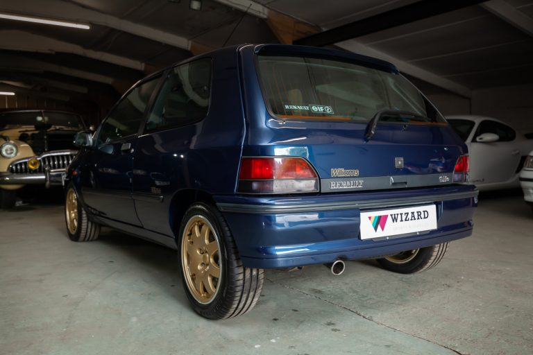 Clio Williams 33