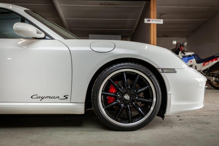 Porsche Cayman 12
