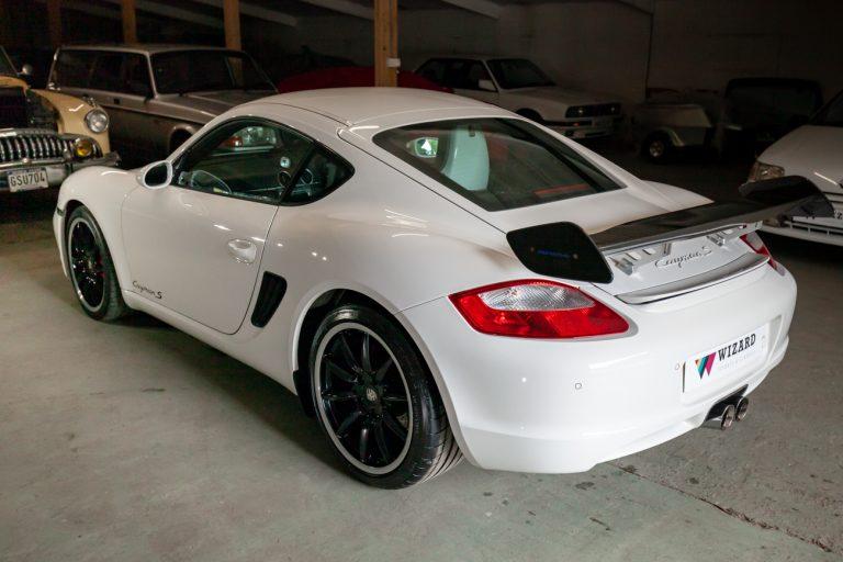 Porsche Cayman 26