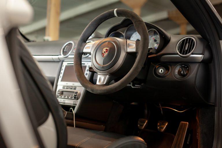Porsche Cayman 40