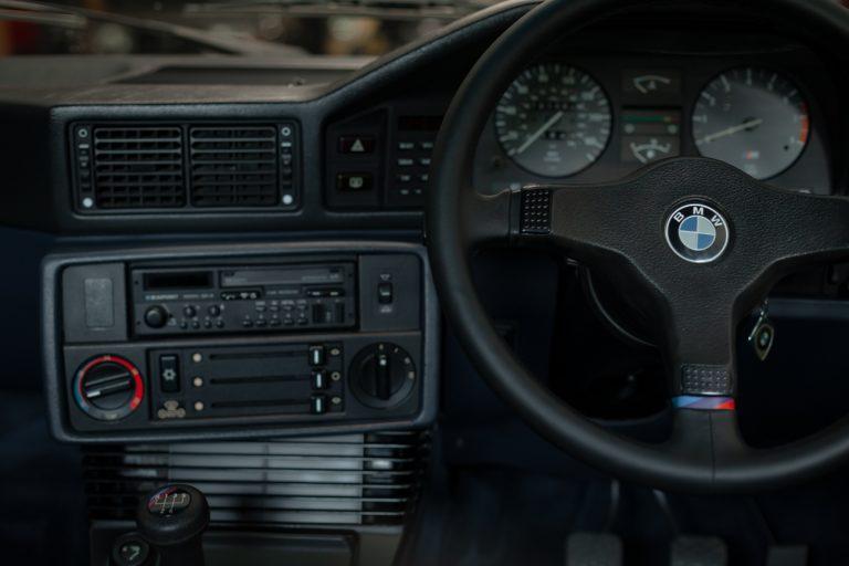 White BMW M3 81