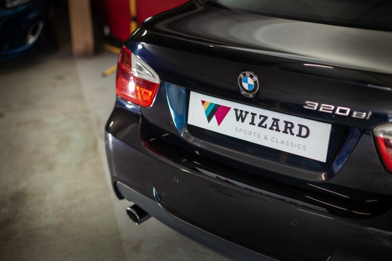 BMW 320SI 10
