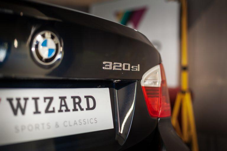 BMW 320SI 12
