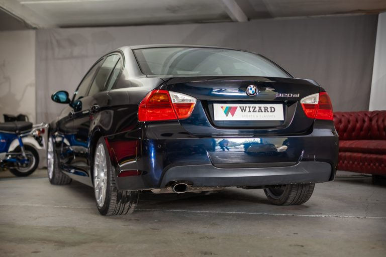 BMW 320SI 4