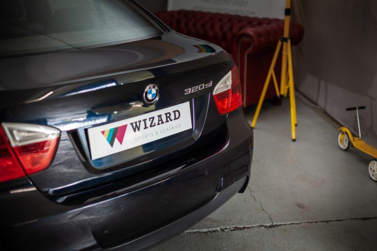 BMW 320SI 8