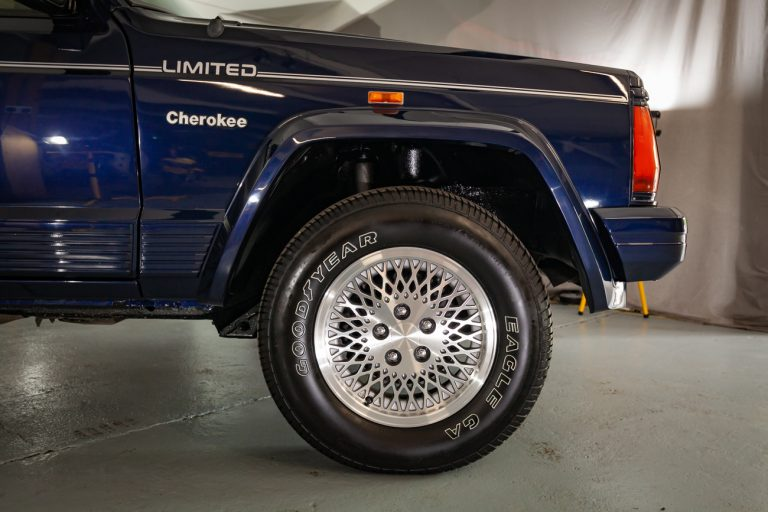 Cherokee 51